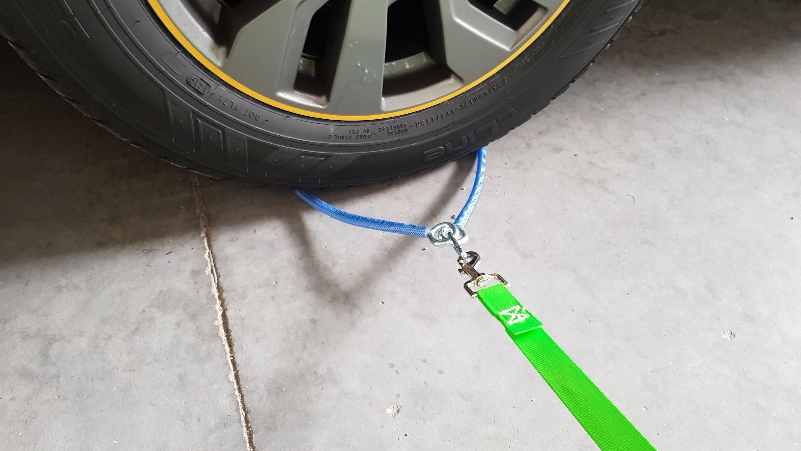 DOGsafer, Anlein möglichkeit am Fahrzeug